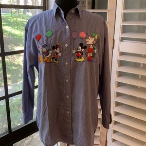 DISNEY • The Disney Store Character Shirt